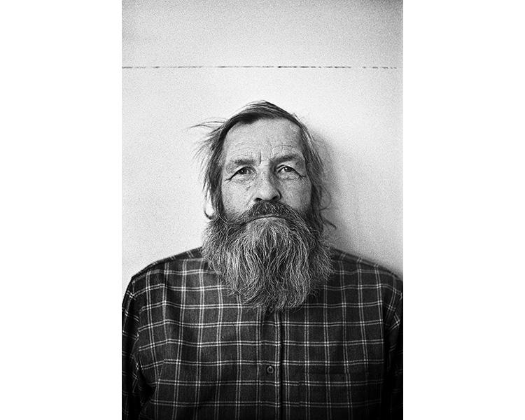 ICELAND / 09.2010A man posing for a portrait. © Michal Luczak / Sputnik Photos / Anzenberger