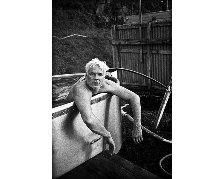 ICELAND / 09.2010A man posing for a portrait in a hot tub.© Michal Luczak / Sputnik Photos / Anzenberger
